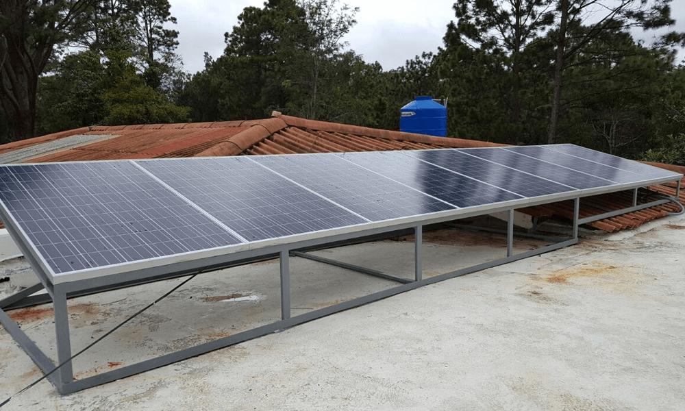 Sistema De Autoproducción Solar Fotovoltaico Mario Andino Valle de angeles grupo proteger